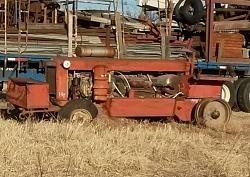 1932-39 Farmall twin-engine tractor - photo-20161231_162732.jpgshr.jpg