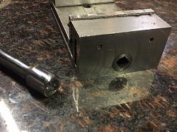 3 inch vise-rv05_squaresocket.jpg