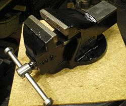 4 inch bench vice restoration-untitled.jpg