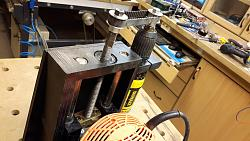 Automated Pimped Router Table-lift1.jpg