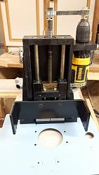 Automated Pimped Router Table-lift2.jpg
