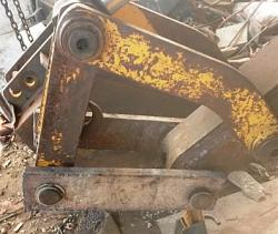 Backhoe bucket quick disconnect-20160821_172844c.jpg