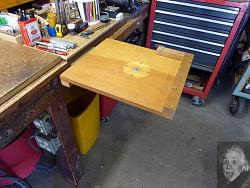 Bench hook as temporary shelf-htable-3.jpg