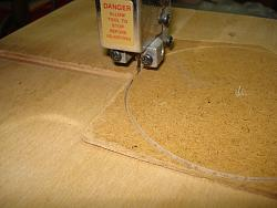 CIRCLE-CUTTING JIG FOR BAND SAW-dsc02528.jpg