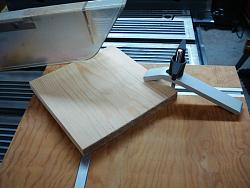 CIRCLE-CUTTING JIG FOR TABLE SAW-dsc02459.jpg