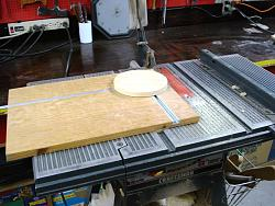 CIRCLE-CUTTING JIG FOR TABLE SAW-dsc02465.jpg