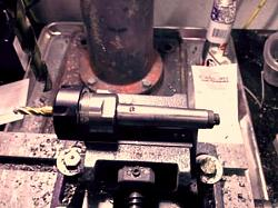 Converting a drill press to mill-drill-mt2-er25-collet.jpg