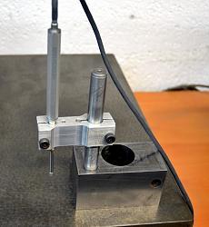 Digital or dial indicator on height gauge-linear-encoder.jpg