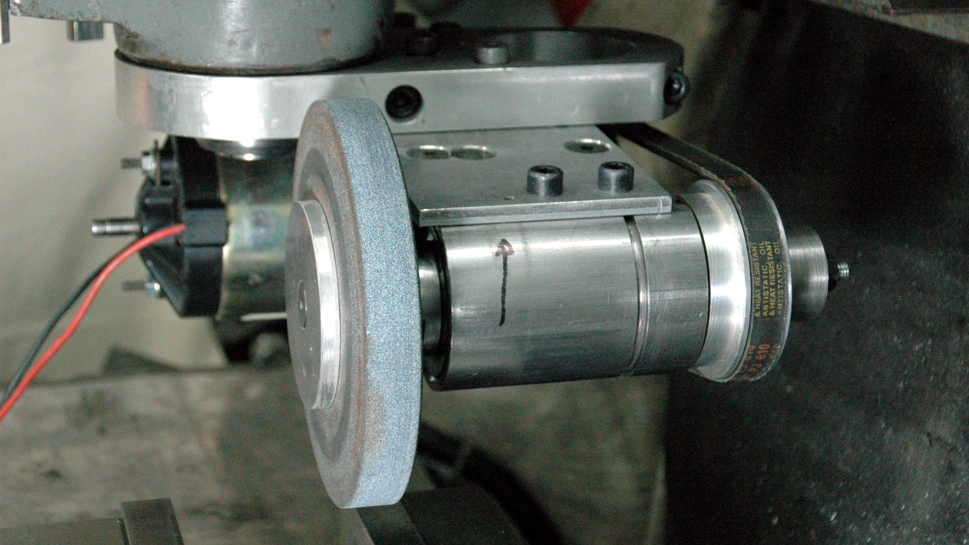 ... DIY surface grinder-grinder-02.jpg ...