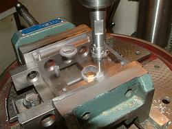 Dremel Plunge Router Base With Plans-7_tappingpolycarbonate.jpg