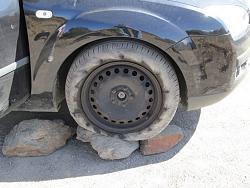 Emergency tools and leak proof car jack.-carjack02.jpg