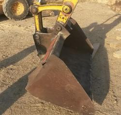 Extra wide mini excavator bucket-20170203_161903a.jpg