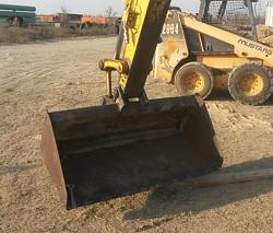 Extra wide mini excavator bucket-20170203_161922a.jpg