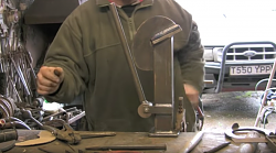 Farriers vise-screen-shot-2019-05-23-19.01.02.png