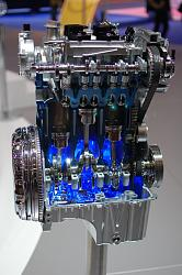Ford 3-cylinder engine cutaway - photo-2013-ford-focus-1-0-ecoboost-live-photos_100384803_m.jpg
