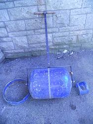 Gas bottle garden roller-roller-1.jpg