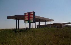 GAS STATION FAIL!-abandoned-gas-station.jpg