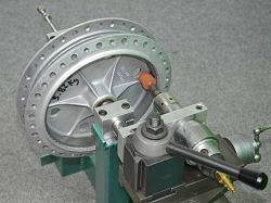 Grinding machine for drum brakes.-wow.jpg