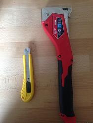 Hammer Tacker / Razor Knife Hybrid Tool (AKA Tack 'n' Slice)-img_2661.jpg