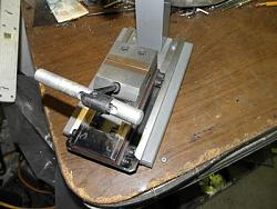 Hand Tapper-Machinist vise- small tap sizes-062.jpg
