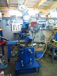 Handing-over has nine of a milling machine bridgeport-fb13810.jpg