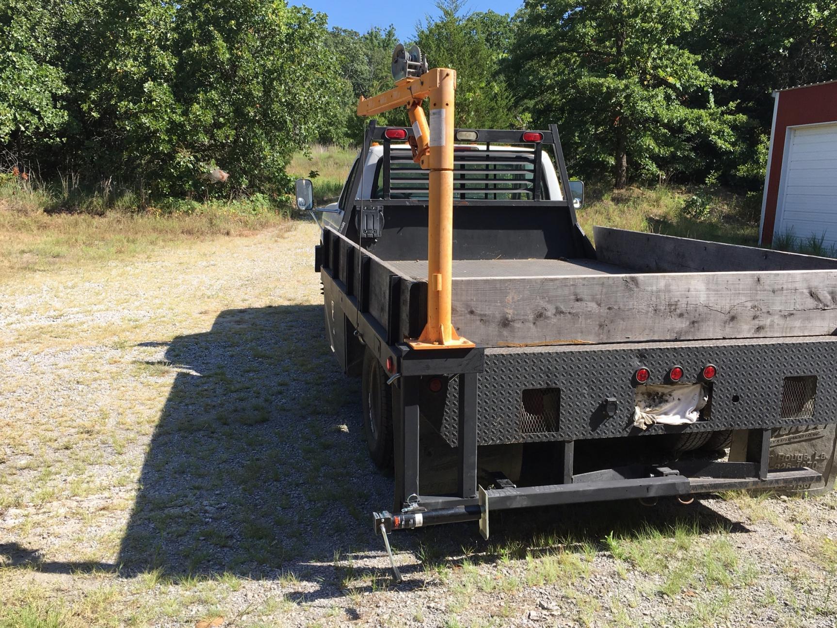 Harbor freight jib crane mounts truck and shop crane stowed travel