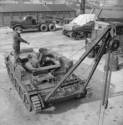 posatubi  pipelayer-posatubi Help-construction-frame-pole-tractor-iwm-h-27696-crusader-arv-19430304