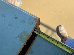 Hernando de Soto Bridge Crack-measuring-fracture.jpg