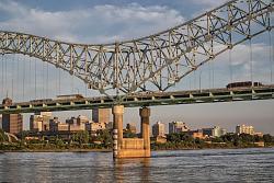 Hernando de Soto Bridge Crack-twitter.02.jpg