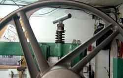 Homemade vertical bandsaw.-tension-01.jpg