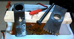 HOW    TO  REMOVE  RUST    WITH   ELECTROLYSIS.-f13.jpg