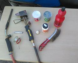 HOW TO REPAIR  YOUR  BIKE 'S OLD  FUEL  TANK-4.jpg