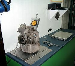 Inverting an hydraulic jack for a workshop press.-flowbench_01.jpg