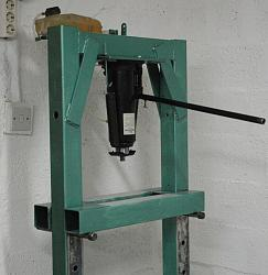 Inverting an hydraulic jack for a workshop press.-press_front.jpg