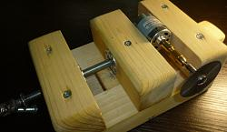 Joiner's vise with their hands-10.jpg