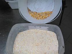 MAKE YOUR HOMEMADE ANIMAL FEED-34702338_2465460256813186_601802403674587136_n.jpg