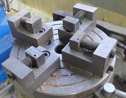 Making Tight Bends with Heavy Gage Wire-vise.jpg