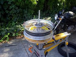 motorcycle tire changing fixture....-img-20120901-00145.jpg