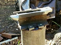 My Friend Wanted a Neanderthal Knife-anvil-hardy-horn.jpg