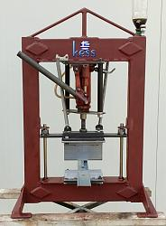 My homemade Hydraulic Bench Press-my-press.jpg
