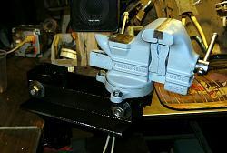 Oddball Bench Vise Mount-armvise2.jpg