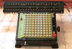 Odhner Arithmometer pinwheel calculator - video-monroe-calculator1.jpg