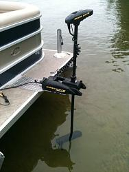 pontoon boat....custom minn kota mount (space saver)-1-pontoon-boat-minn-kota-mount-.jpg