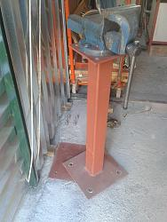 Removable pole stands vise base-8.jpg