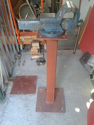 Removable pole stands vise base-9.jpg