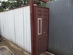 Rolling gate ad door for my storage area-dscf7213c.jpg