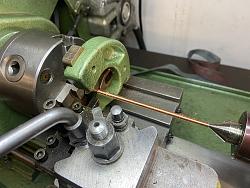 Screw cutting by hand-steady-centre.jpg