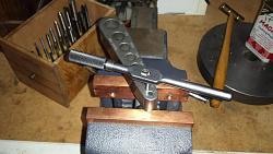 Small Machinist Jack-using-taping-block-align-8-32-tap.jpg