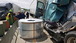 Steel rolls roll off truck bed - GIF-truck-crash-2.jpg