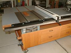 Table Saw and Router Work Center with T-Square Fence-1main-view.jpg